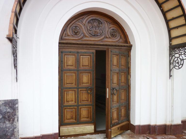Межкомнатные двери из массива Дуба Купить в СПб